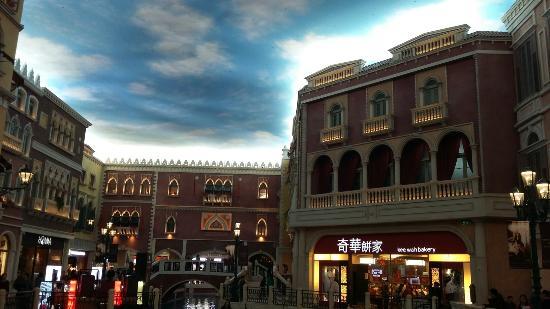 Casino at Venetian Macao: 20160220_152113_large.jpg
