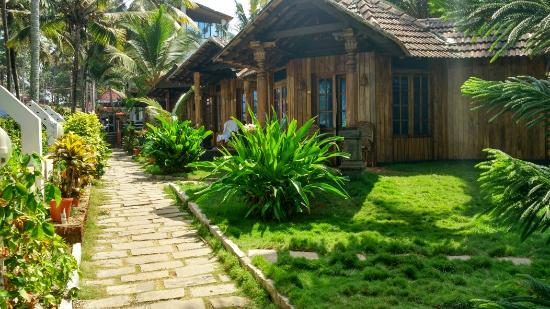 WoodHouse Beach Resort: Cool place
