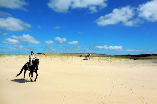 La Pedrera, Uruguay: Riding on the beach