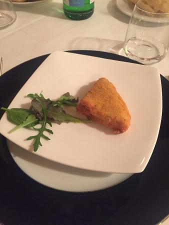Restaurant Canapone: Mozzarella in carrozza offertaci prima della cena :)