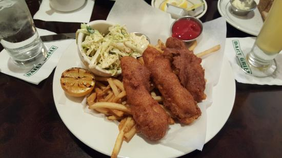 Daily Grill - Burbank Marriott Hotel: Fish n Chips