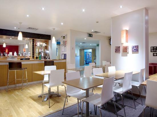 Travelodge Preston Central: Bar Cafe