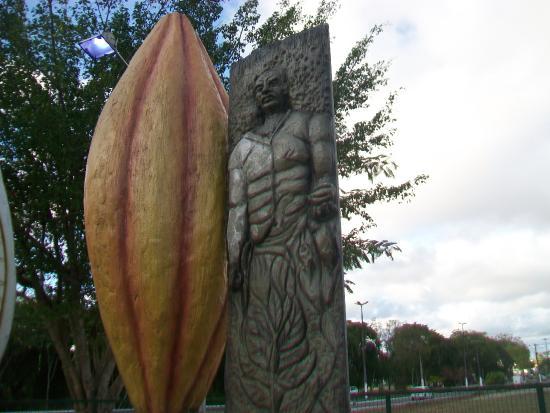 Saga Grapiúna Monument