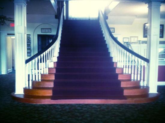 Sebring, FL: Main staircase