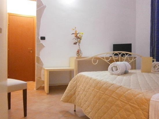 bed breakfast la rosa lampedusa prices b b reviews italy tripadvisor. Black Bedroom Furniture Sets. Home Design Ideas