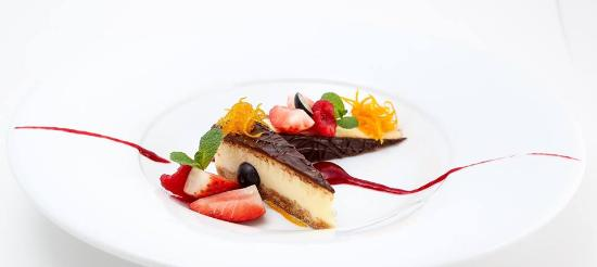 Deliciousm cake, berries