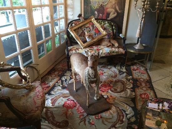 une belle biches photo de les biches barbizon tripadvisor. Black Bedroom Furniture Sets. Home Design Ideas