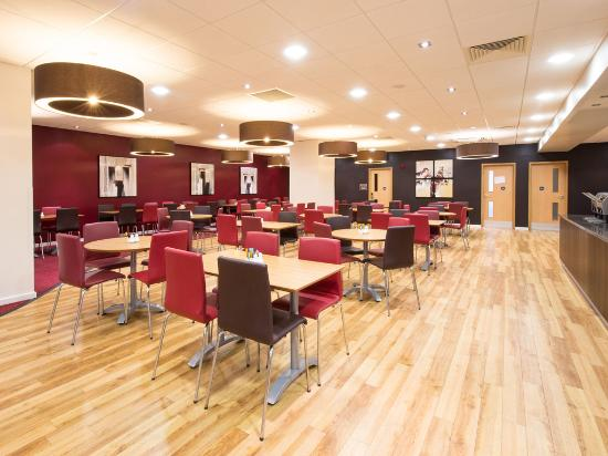 Travelodge Manchester Piccadilly Hotel: Bar Cafe