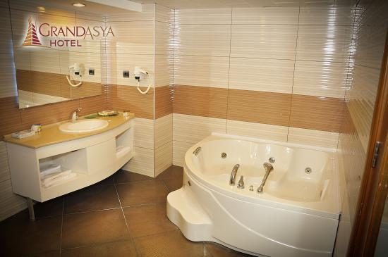 Bandirma, Turcja: Suit Banyo