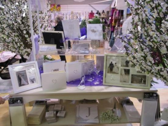 Wedding Gift Ideas Scotland : wedding gift ideasPicture of Garrion Bridges Garden & Antique ...