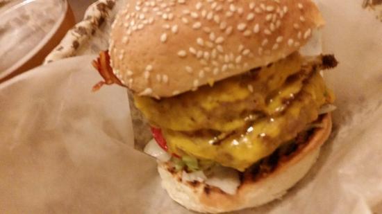 Baffo San Leonardo Burger Pub