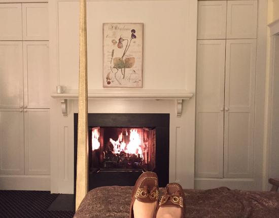 gas fireplace picture of om sanctuary asheville tripadvisor rh tripadvisor com