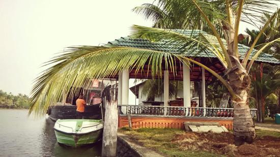 Emarald Pristine Island Floating Resort : IMG_20160209_093735_HDR_large.jpg