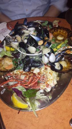 Regency Restaurant: Seafood platter