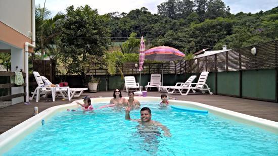 Pousada Harmonia : piscina limpa e segura