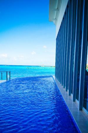 Beach - Picture of Hotel Riu Cancun - Tripadvisor
