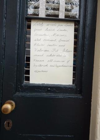 Hugh Mercer Apothecary Shop: Handwritten note from Dr. Mercer greeting you on the front door!