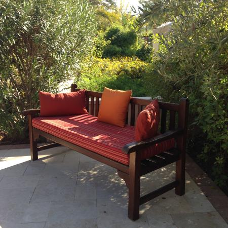 Four Seasons Resort Marrakech: Sitting around the garden