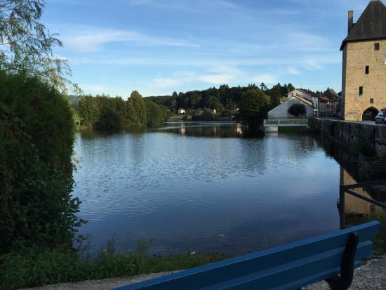 Peyrat-le-Chateau, Francja: Village lake