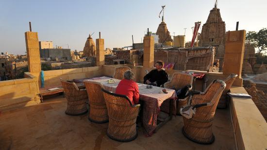 Hotel Deep Mahal: Gemütliche Dachterrasse mit tollem Ausblick