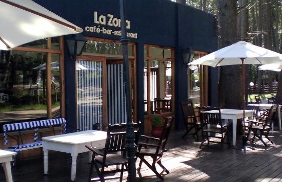 La Zorra Cafetería Restaurant
