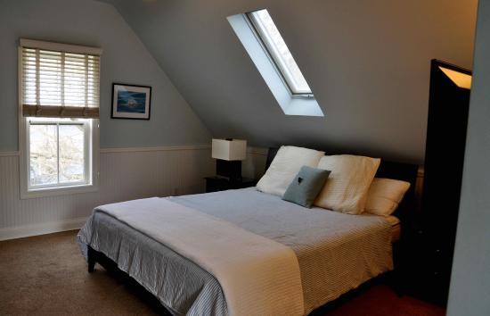 Pelton Guest House: Water Suite