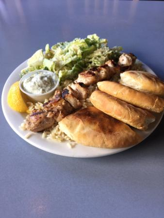Eleni's Restaurant: Lunch Size Chicken Souvlaki with Caesar Salad instead of Greek