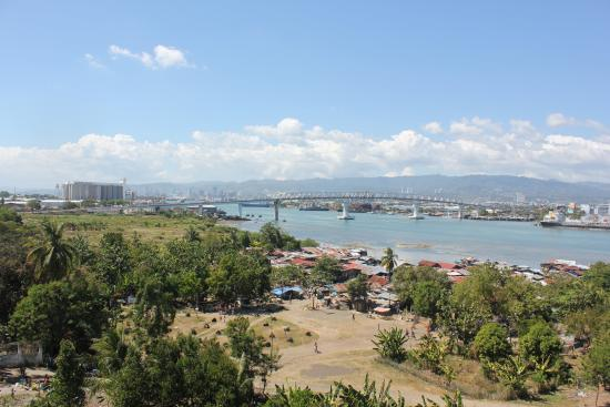 Ace Penzionne: View of Cebu from 4th floor landing
