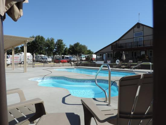 Hi Valley RV Park: Enjoy our new pool and hot tub!