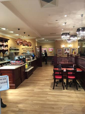 Patisserie valerie york designer outlet for Outlet design