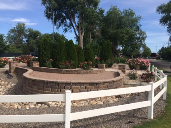 Mountain Home RV Park Rose Garden