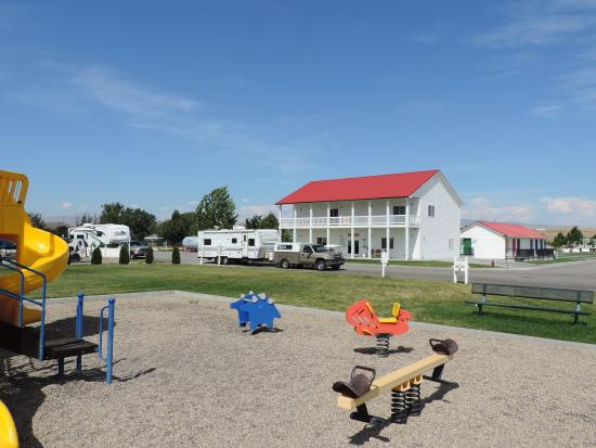 Mountain Home RV Park Play Ground And Club House