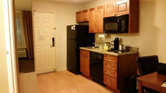 Candlewood Suites Perrysburg : 20160220_062006_large.jpg