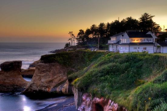 Inn at Arch Rock: Arch Rock at dusk