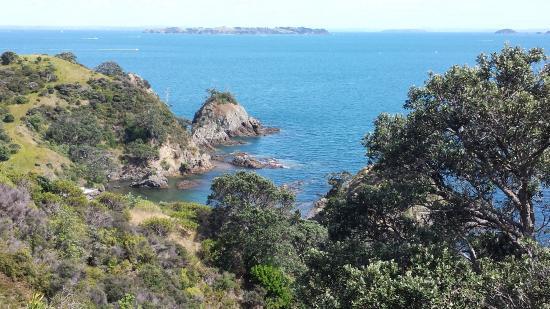 Île de Waiheke, Nouvelle-Zélande : Views as you traverse the coast