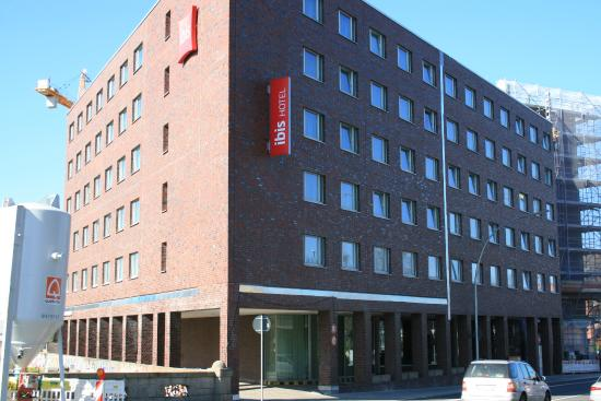 Ibis Hamburg Alsterring: L'esterno dell'hotel