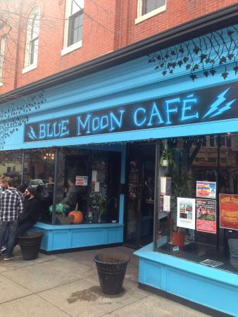 restaurant review reviews blue moon cafe baltimore maryland
