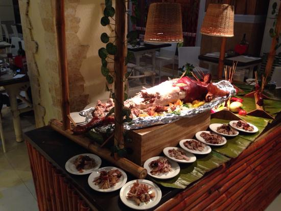dinner buffet at port restaurant picture of port restaurant cebu rh tripadvisor com