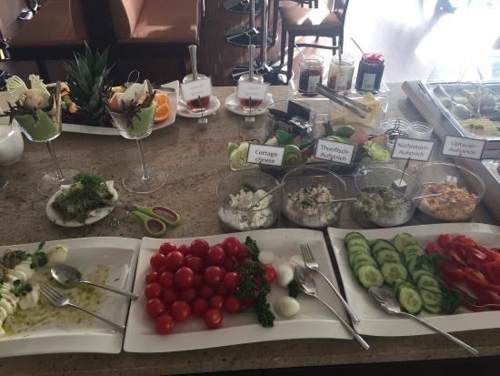 Hotel Toscanina: Herrliches Frühstück...und tolle Einrichtung! War sehr begeistert vom liebevoll dekorierten Spei