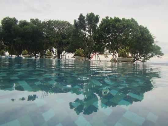 Tanjung Lesung Bay Villas Hotel & Resort: Swimming Pool