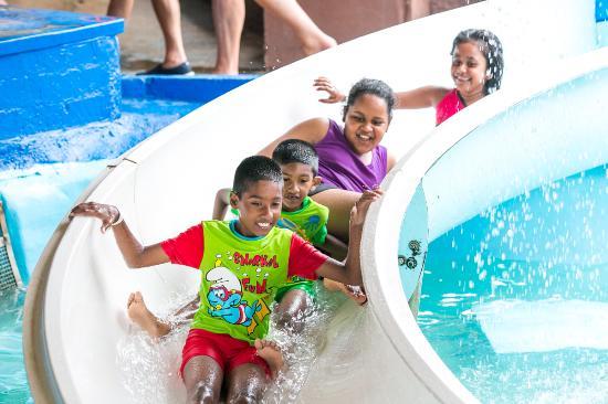 Amanzimtoti, África do Sul: Fun at Splash