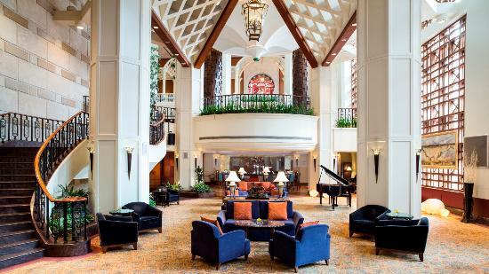 Pavilions Lounge