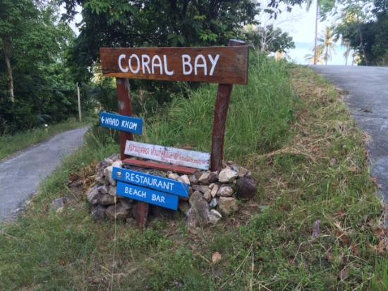 Coral Bay Resort: Entrance