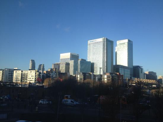 vue de notre chambre picture of ibis london docklands canary rh tripadvisor ie