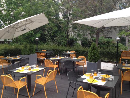 Novotel paris sud porte de charenton hotel charenton le for Restaurant avec jardin terrasse paris