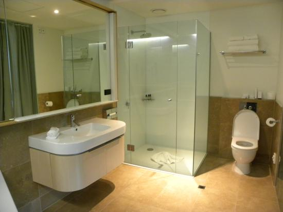 Ohtel prices boutique hotel reviews wellington new for Bathroom design wellington new zealand