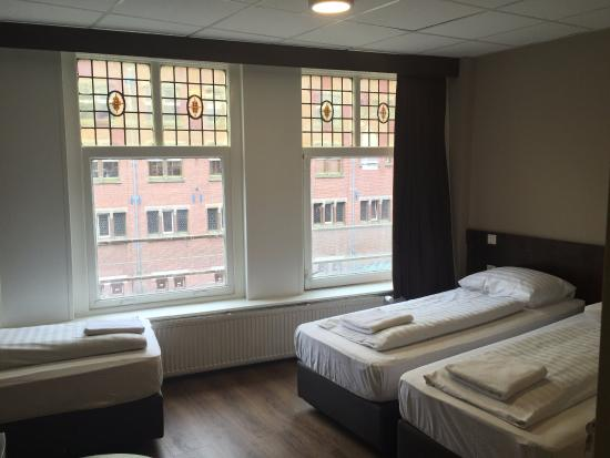 triple ensuite picture of damrak inn hotel amsterdam amsterdam rh tripadvisor com