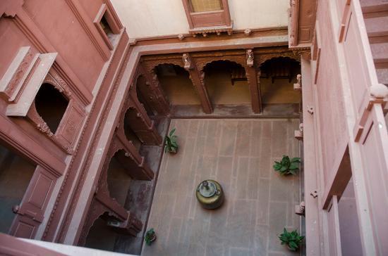 Lal Niwas : Un patio interno