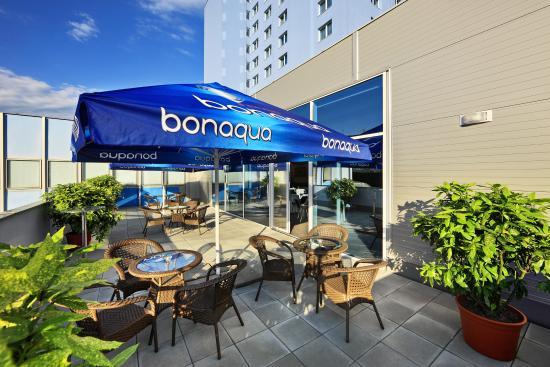 Hotel Flora: Terrace