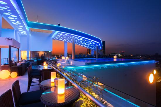 Cloud9 Skybar